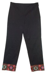 LAUNDRY by SHELLI SEGAL Black Embroidered Capri Pants - Size 2